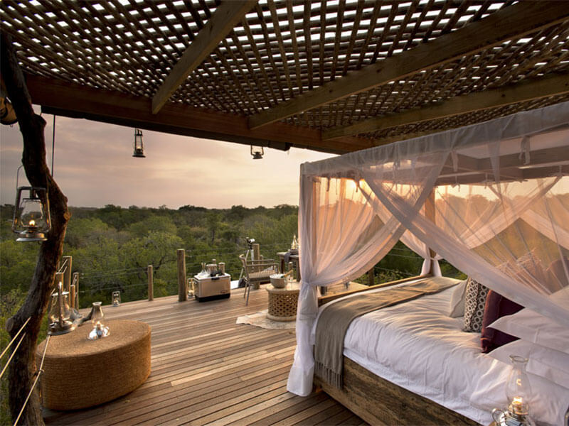 ROMANTIC TREEHOUSE HOTEL